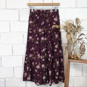 Vintage floral maxi skirt with pockets size small